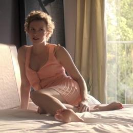 Adina Vetter nahá