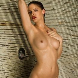 Lisa Tomaschewsky nahá