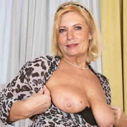 Sabine Postel nahá