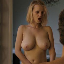 Joanna Kulig nahá