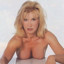Cynthia Rothrock nahá