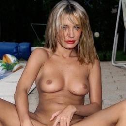 Daryl Hannah nahá
