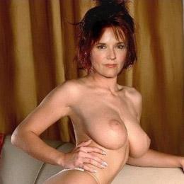 Lea Thompson nahá