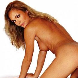 Leslie Bibb nahá