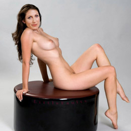 Lisa Edelstein nahá