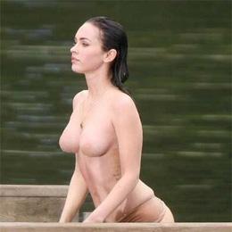 Megan Fox nahá