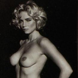 Sharon Stone nahá
