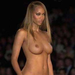 Tyra Banks nahá
