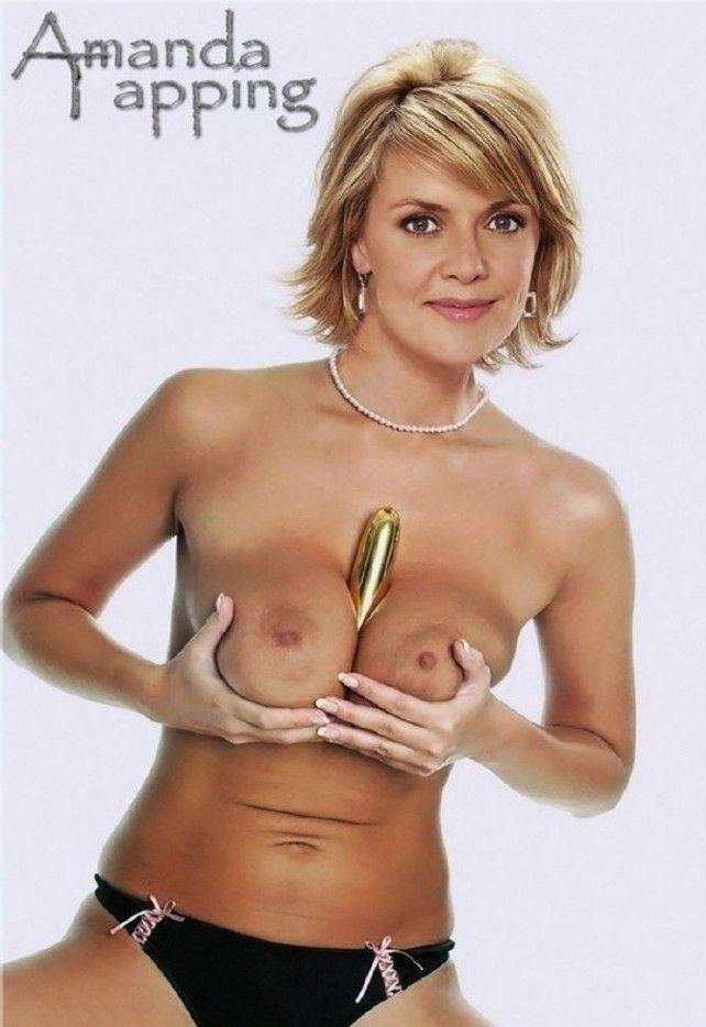Amanda trapping nackt