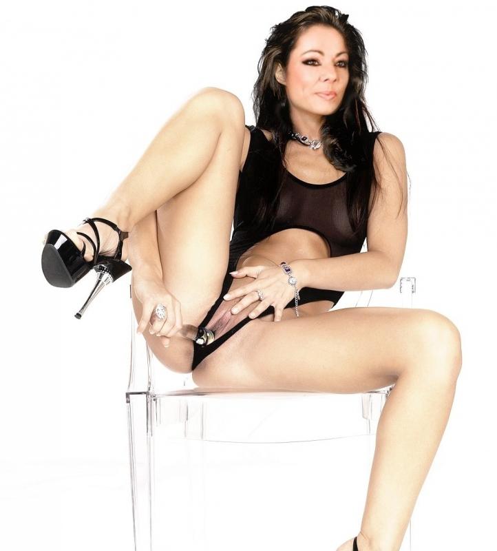 Sandra nahá. Foto - 9