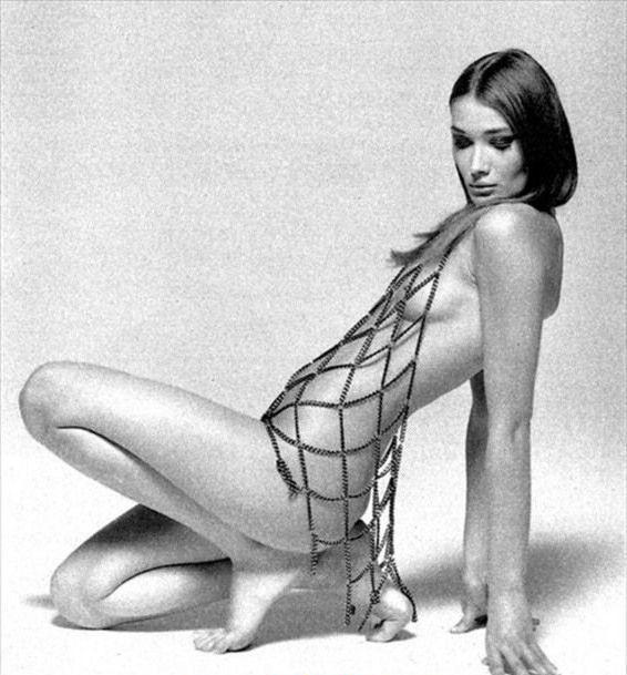 Bruni naked carla Carla Bruni