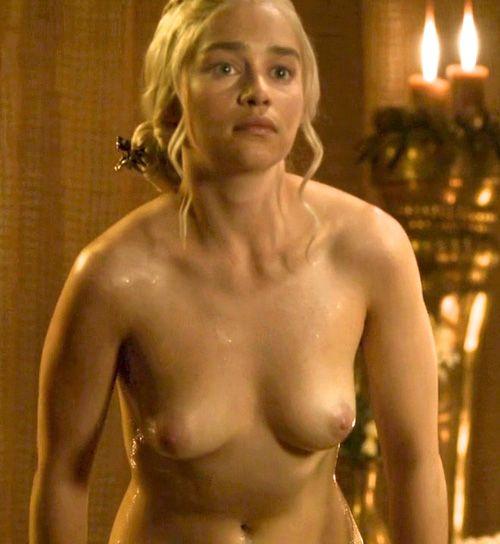 Clarke  nackt Emily Emilia Clarke