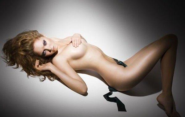 Lily Cole nahá. Foto - 6