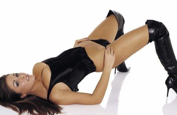 Lucy Pinder nahá. Foto - 6