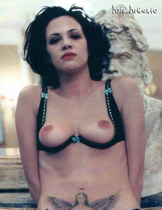 Asia Argento nahá. Foto - 22