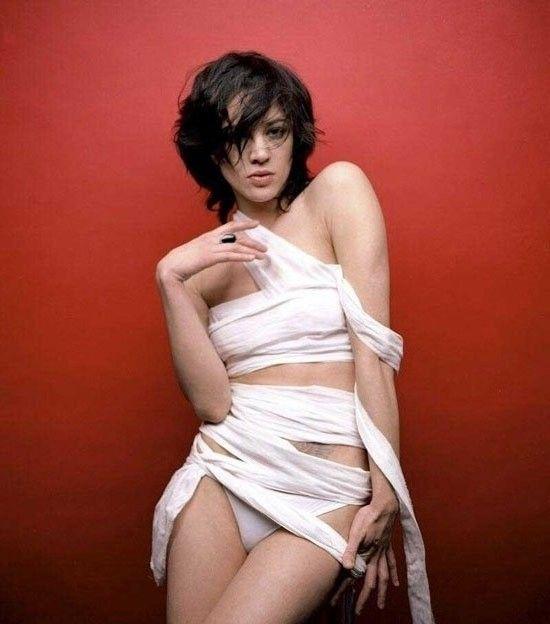Asia Argento nahá. Foto - 26