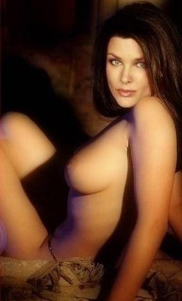 Dina Meyer nahá. Foto - 2