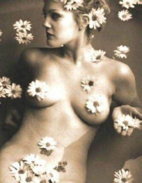 Drew Barrymore nahá. Foto - 1