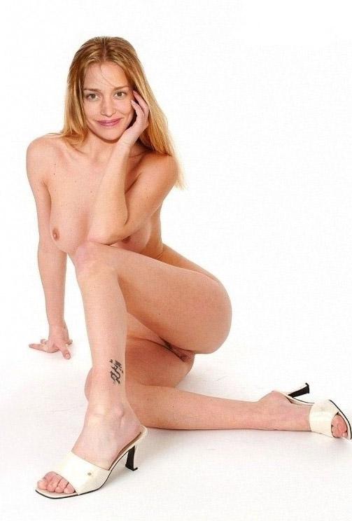 Piper Perabo nahá. Foto - 10