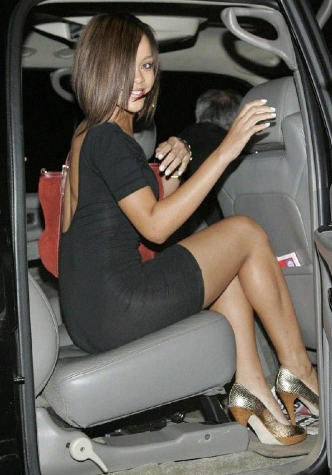 Rihanna nahá. Foto - 1