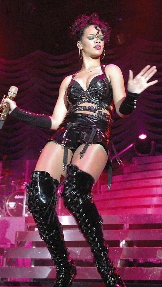 Rihanna nahá. Foto - 5