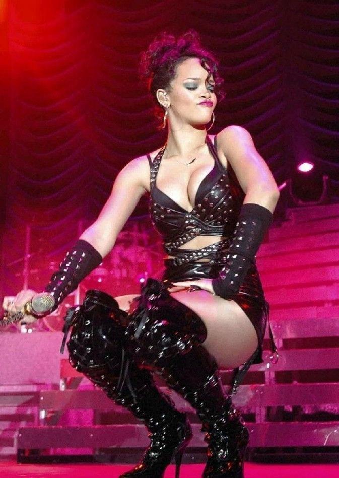 Rihanna nahá. Foto - 6