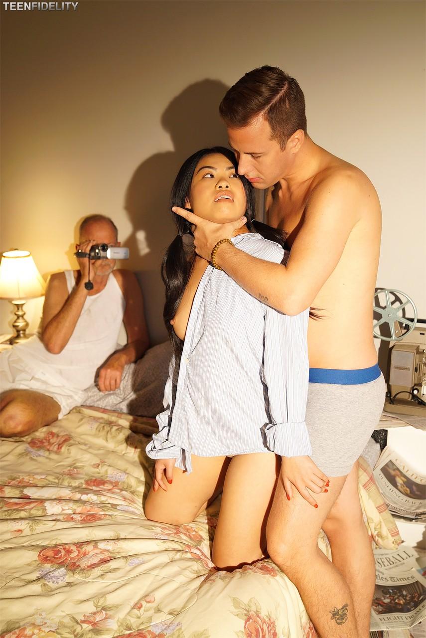 Asiatische Pornofotos. Galerie № 1004. Foto - 3