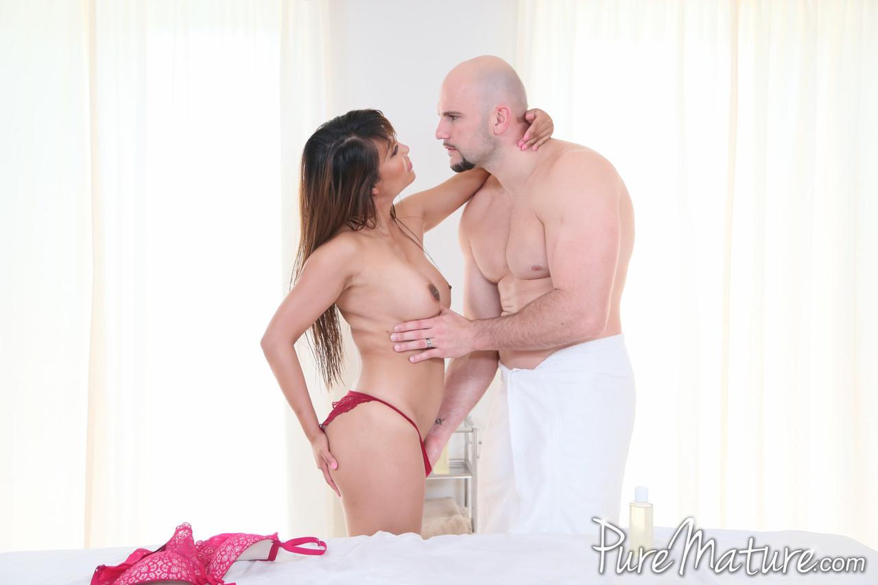 Asian porn photos. Gallery № 1385. Photo - 2