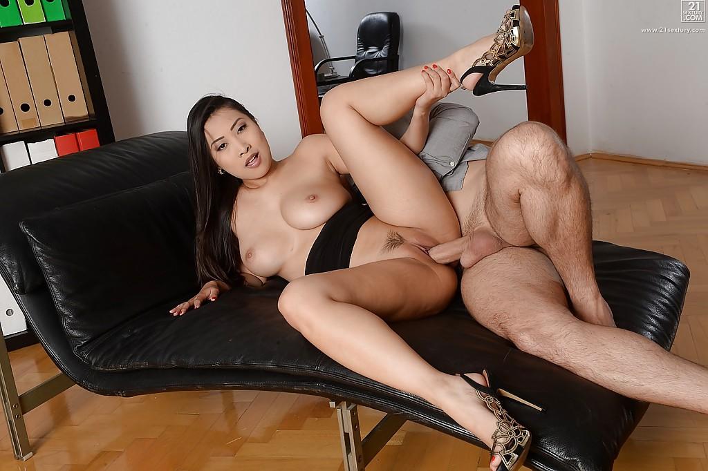 Asian porn photos. Gallery № 1529. Photo - 4