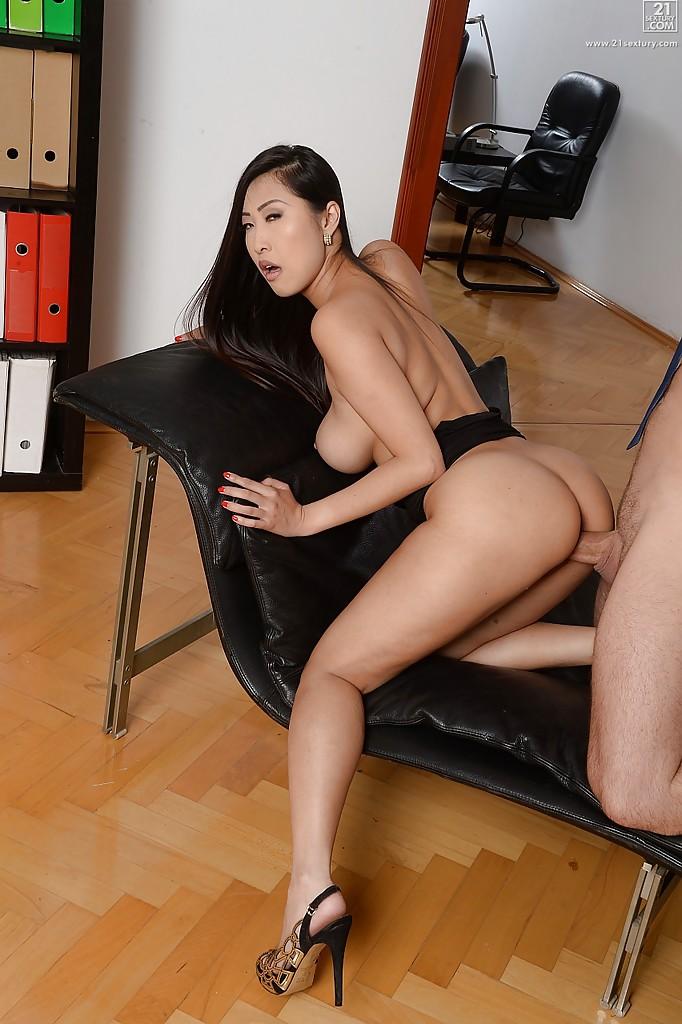 Asian porn photos. Gallery № 1529. Photo - 9