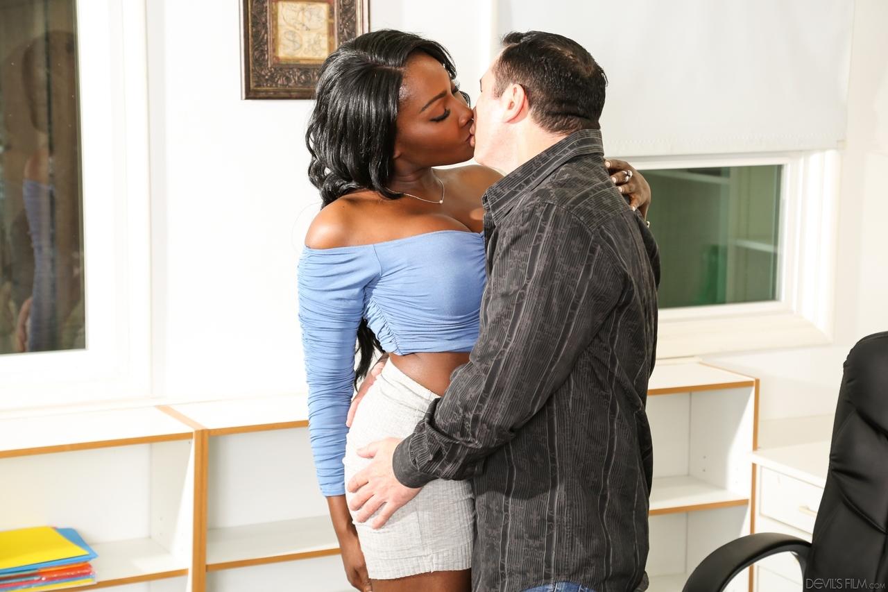 Ebony porn photos. Gallery № 437. Photo - 3