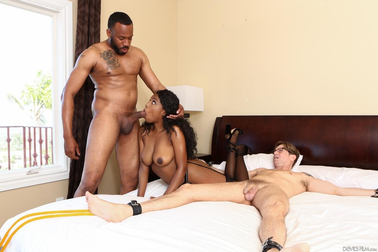 Ebony porn photos. Gallery № 808. Photo - 1