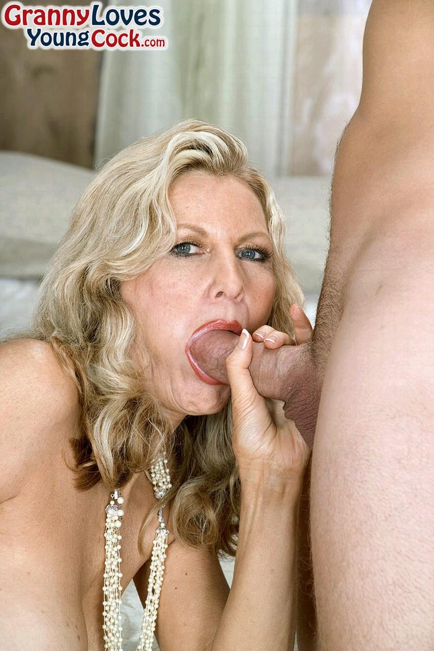 Mature & Granny porn photos. Gallery № 1239. Photo - 1