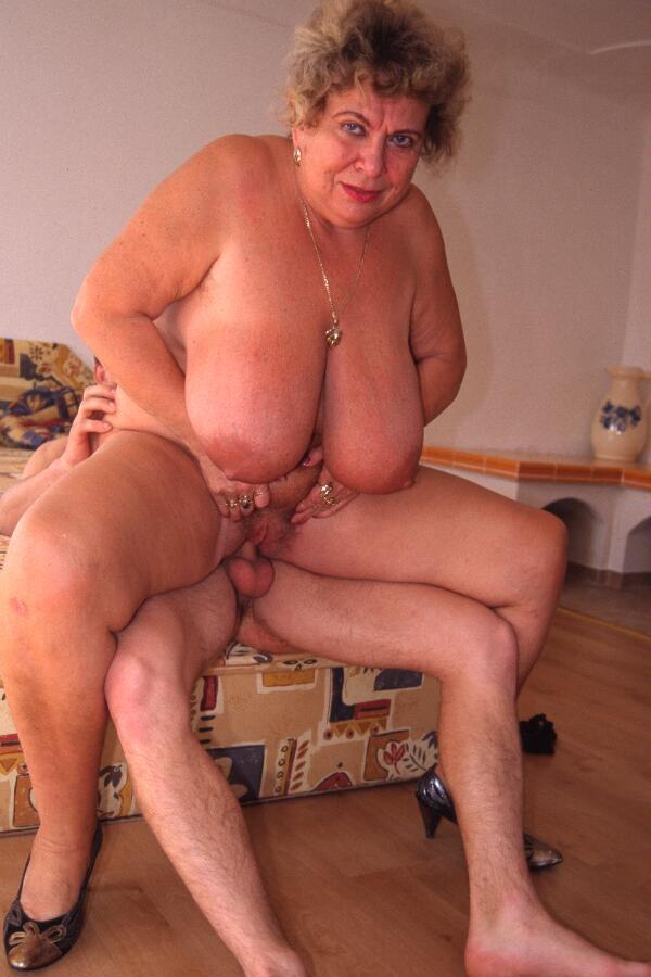 Mature & Granny porn photos. Gallery № 23. Photo - 1