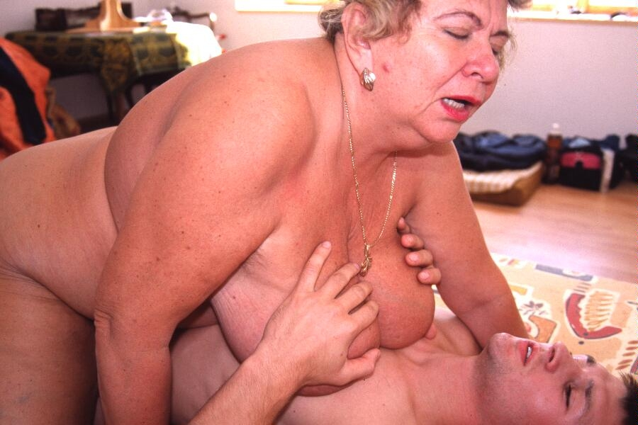 Mature & Granny porn photos. Gallery № 23. Photo - 7