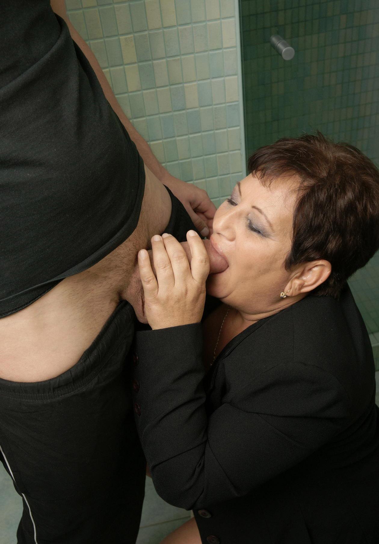 Mature & Granny porn photos. Gallery № 24. Photo - 6
