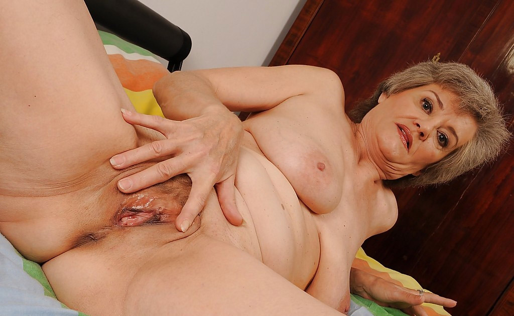 Mature & Granny porn photos. Gallery № 25. Photo - 13