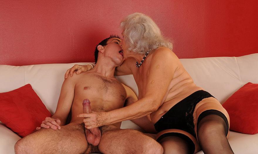 Mature & Granny porn photos. Gallery № 40. Photo - 2