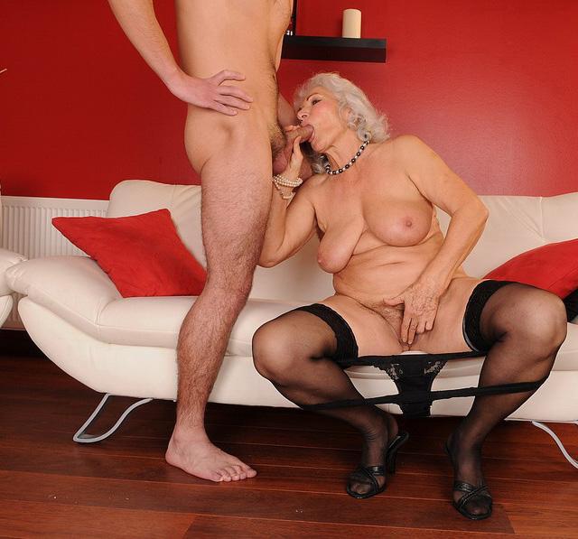 Mature & Granny porn photos. Gallery № 40. Photo - 4