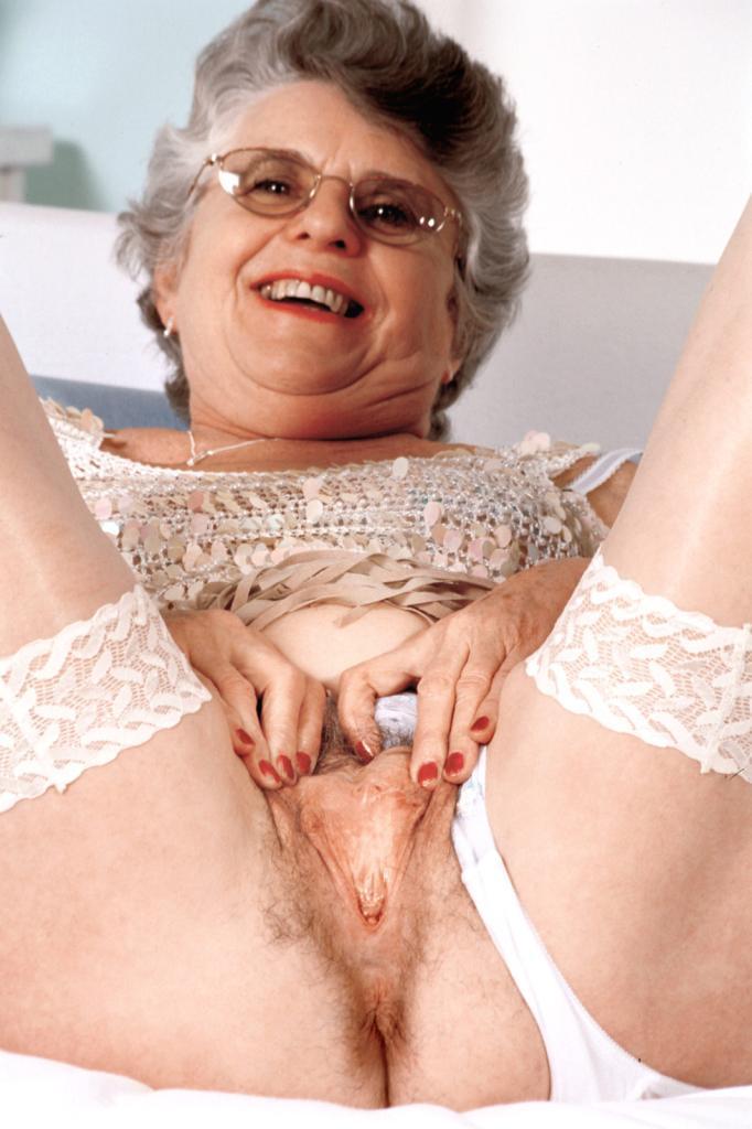 Mature & Granny porn photos. Gallery № 43. Photo - 11