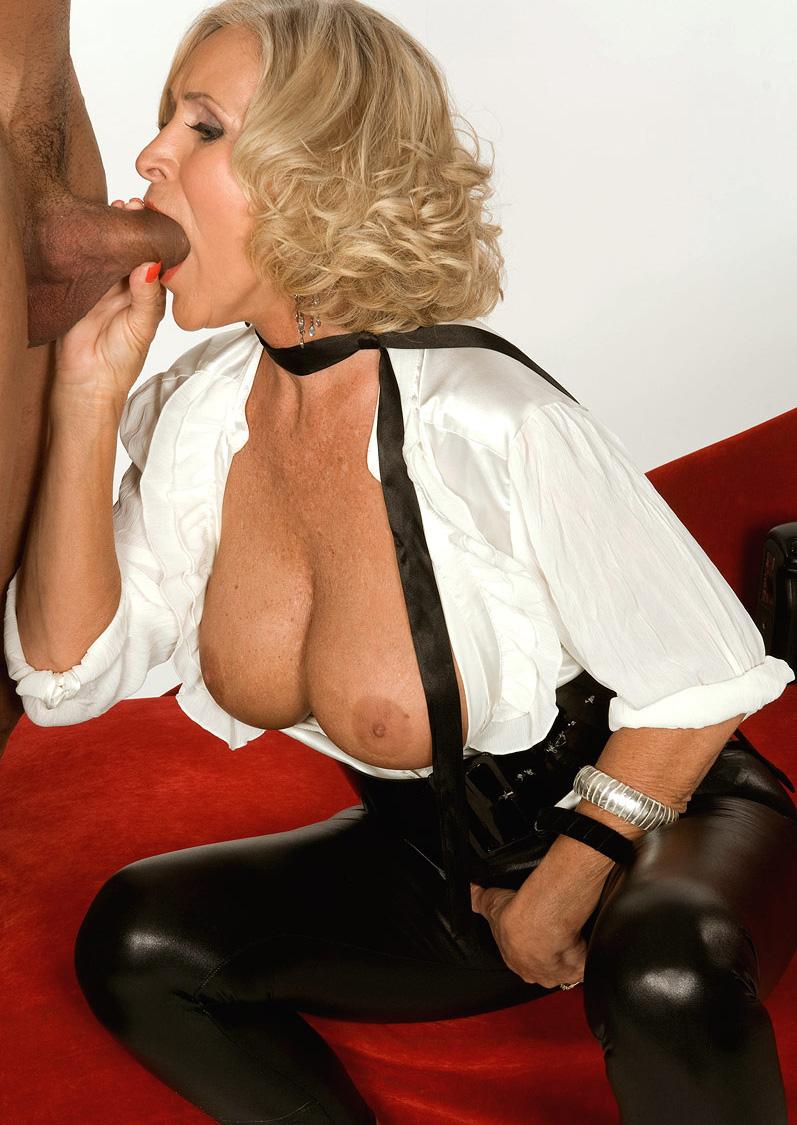 Mature & Granny porn photos. Gallery № 48. Photo - 5