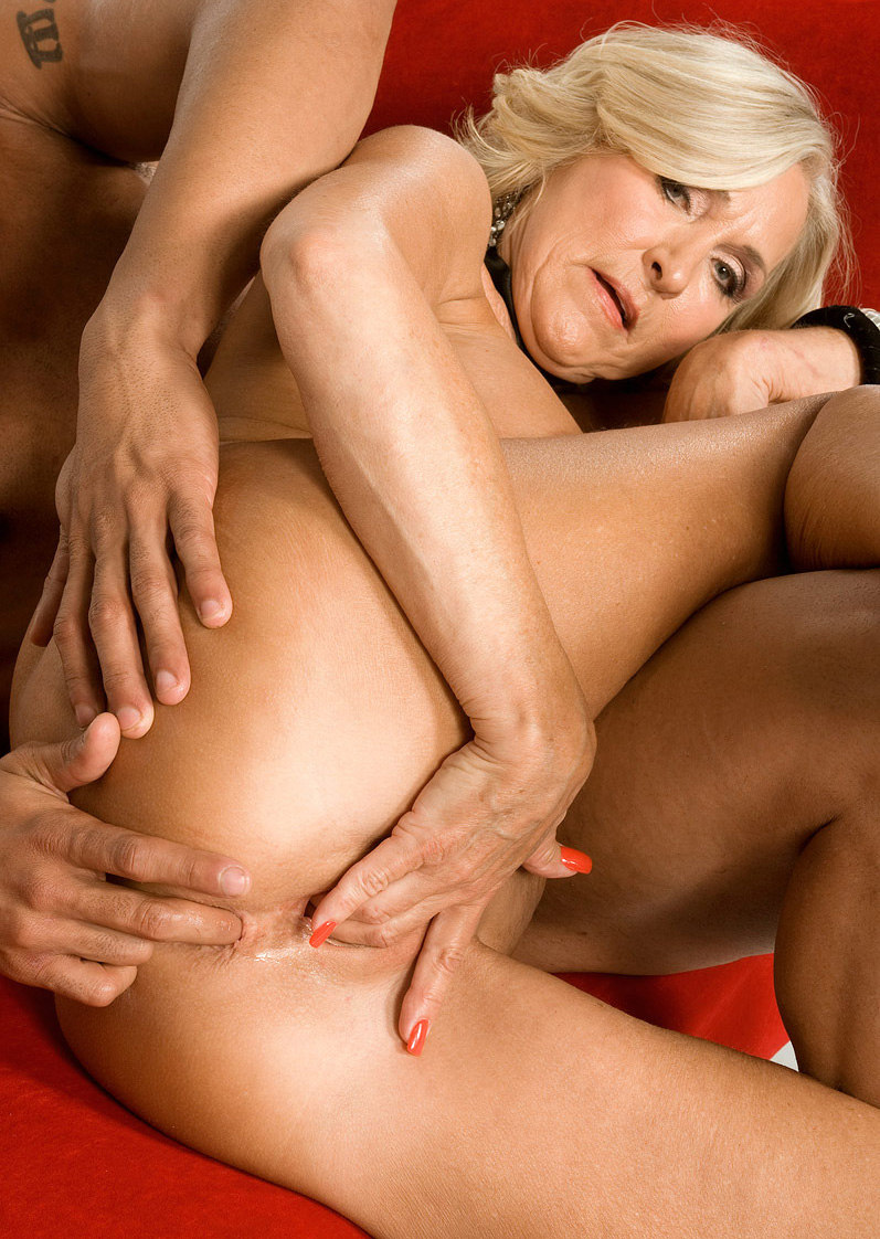Mature & Granny porn photos. Gallery № 48. Photo - 9