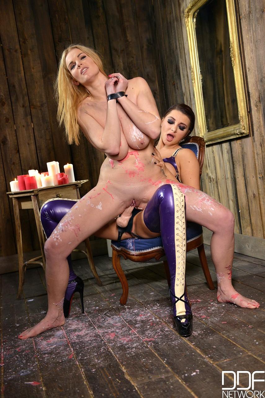 Lesbians porn photos. Gallery № 1019. Photo - 8