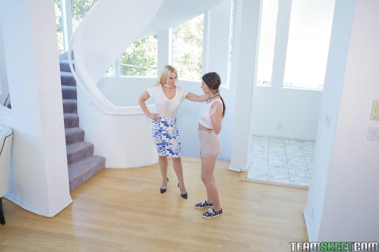 Lesbians porn photos. Gallery № 436. Photo - 3
