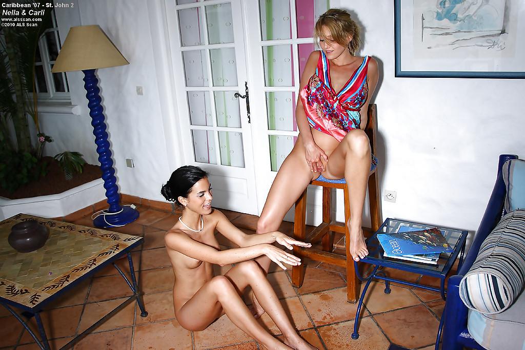 Pissing porn photos. Gallery № 1243. Photo - 6