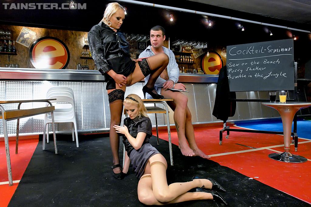 Pissing Pornofotos. Galerie № 850. Foto - 16