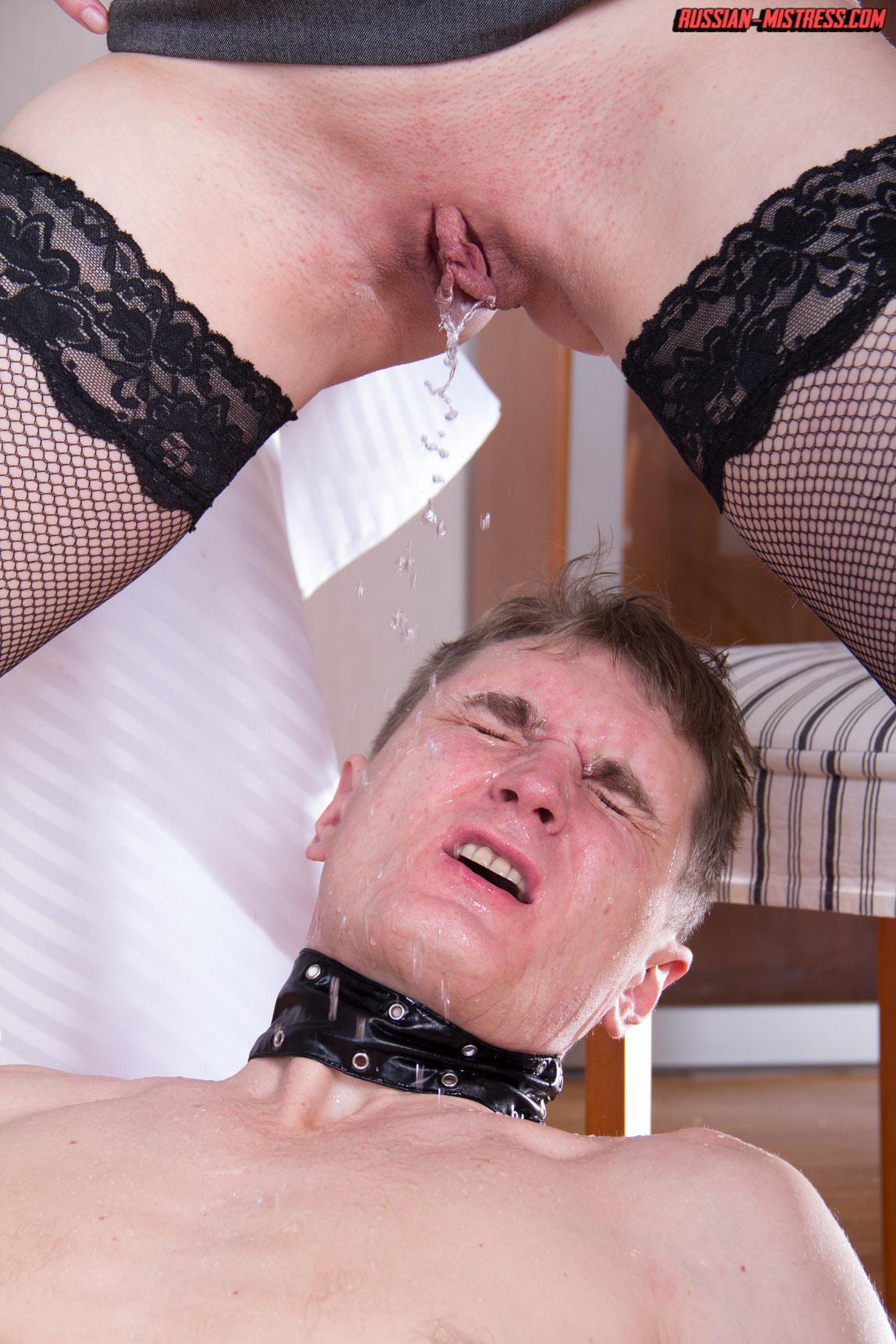 Pissing Pornofotos. Galerie № 873. Foto - 12