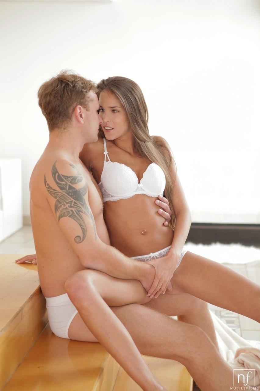 Young porn photos. Gallery № 429. Photo - 2